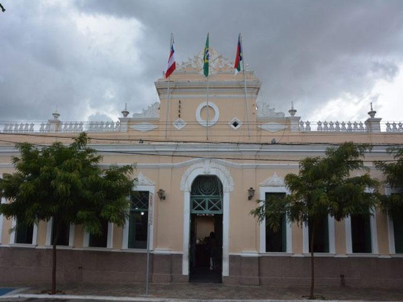 Vitória da Conquista: Motorista é afastado após ser flagrado com adolescente dentro de carro da Prefeitura