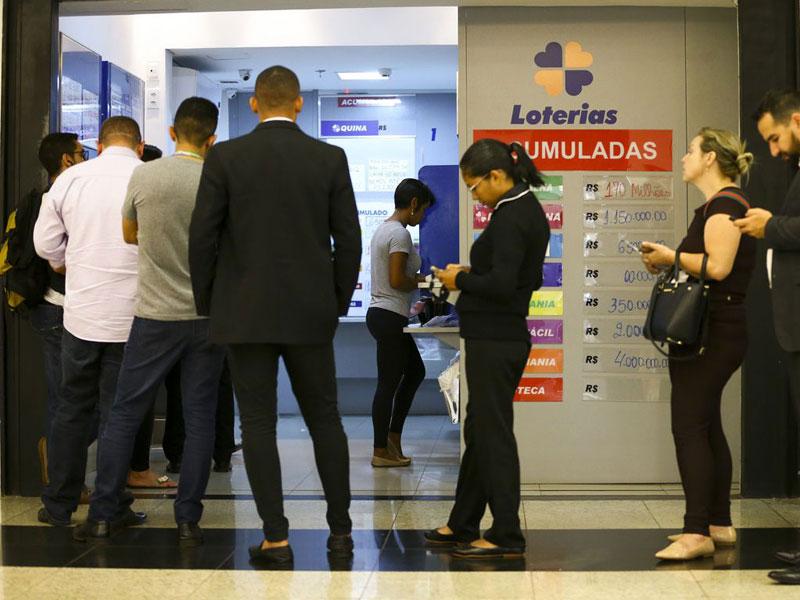 Mega-Sena acumula e deve pagar R$ 90 milhões no sábado (8)