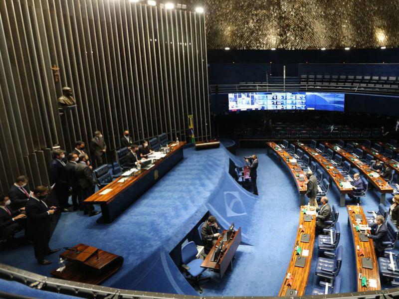 Senado aprova MP que viabiliza a privatização da Eletrobras