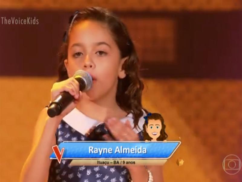 Ituaçuense Rayne Almeida brilha no The Voice Kids e é escolhida para integrar time da dupla Simone e Simaria