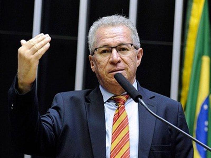 Deputado federal Assis Carvalho (PT) morre após infarto no Piauí