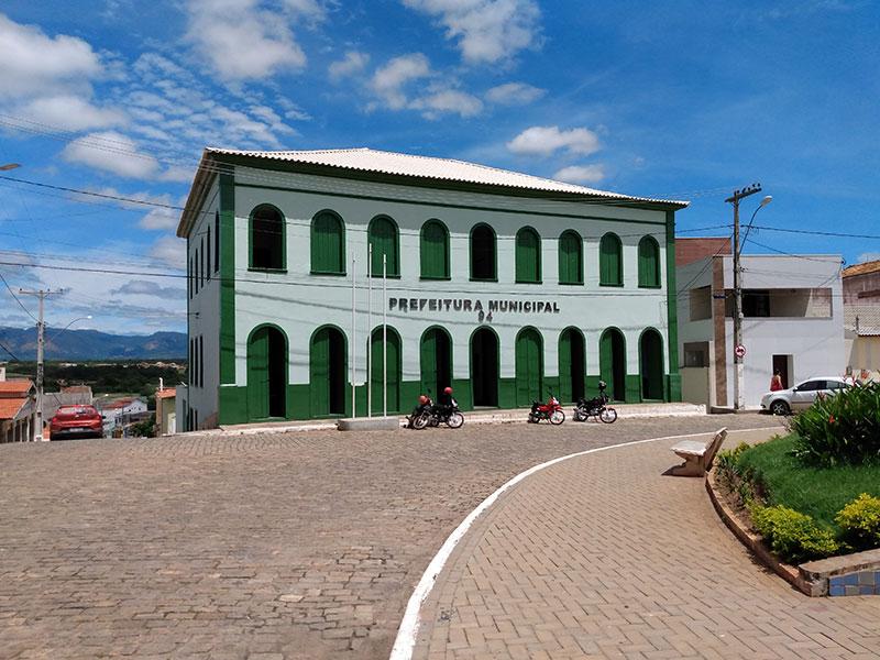 Livramento: Prefeitura tem contas aprovadas com ressalvas pelo TCM; Gestor foi multado em R$ 6 mil