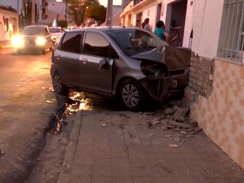 Vitória da Conquista: Idosa de 72 anos morre após sofrer mal-estar e bater carro que conduzia