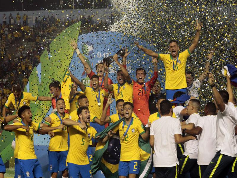 Seleção sub-17 vence México e é tetracampeã