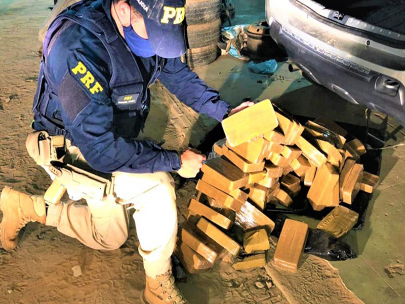 PRF apreende quase 100 Kg de pasta base de cocaína em Caetité