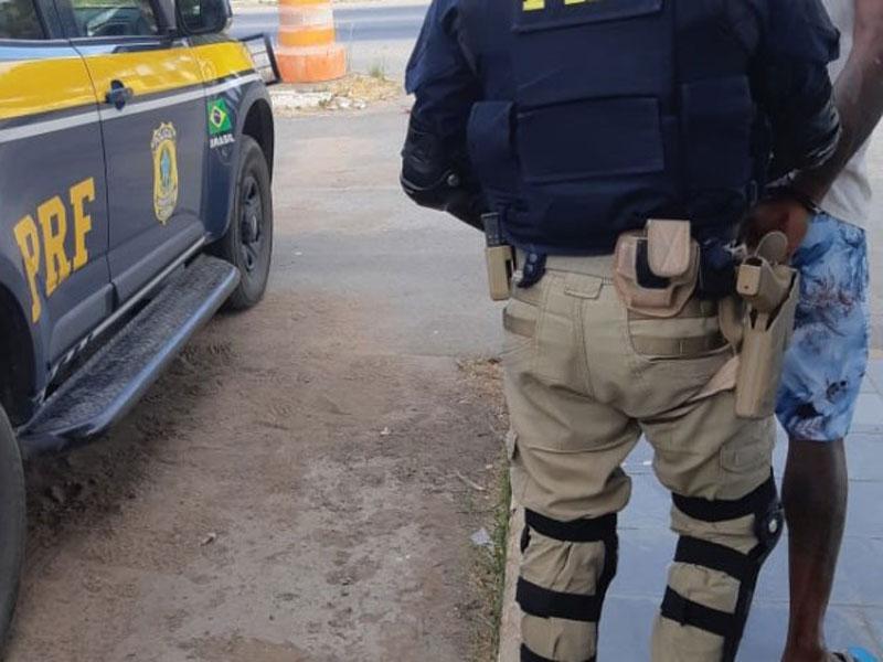 Acusado de participação em estupro coletivo é preso pela PRF em Ribeira do Pombal (BA)
