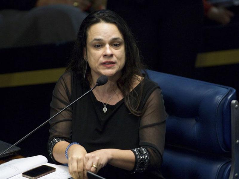 Janaína Paschoal pede que eleitores do Amapá apoiem impeachment no STF