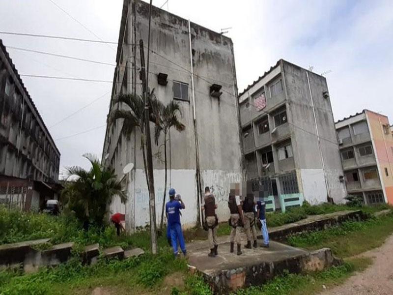 Gato de água que abastecia 32 apartamentos é descoberto em Simões Filho