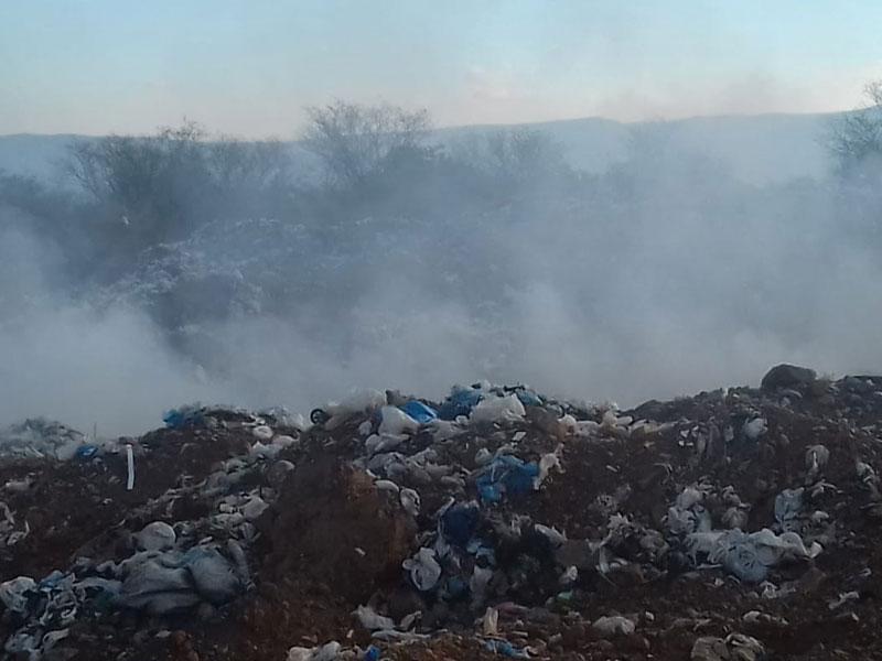 Novela sem fim: Lixão de Dom Basílio mais uma vez em chamas