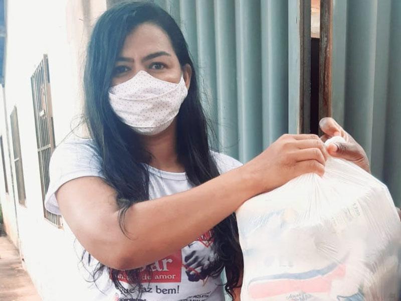 Rádio Portal realiza campanha de arrecadação e distribuição de alimentos para famílias carentes