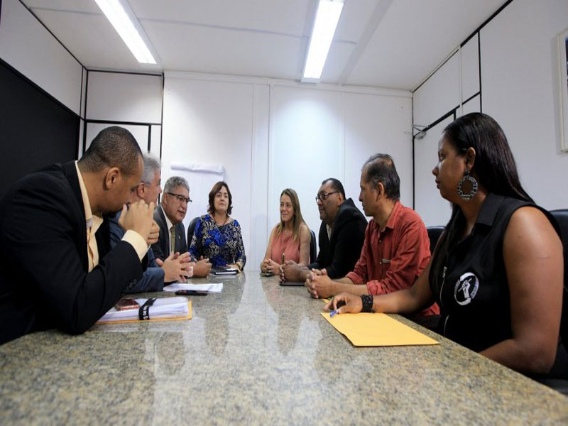 Técnicos da Uefs e Uesb assinam acordo com o Governo do Estado