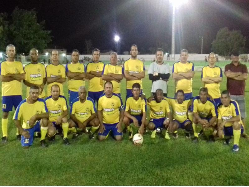 Equipe do Kinka vence primeiro jogo e abre vantagem na final do Campeonato Cinquentinha