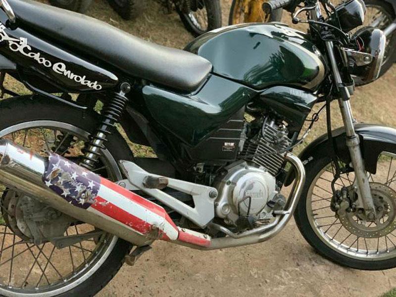 Motocicleta é furtada em plena luz do dia em Dom Basílio