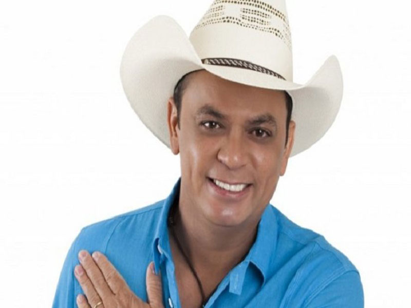 Frank Aguiar é autorizado pela Justiça a voltar a fazer shows em meio a processo por direitos autorais