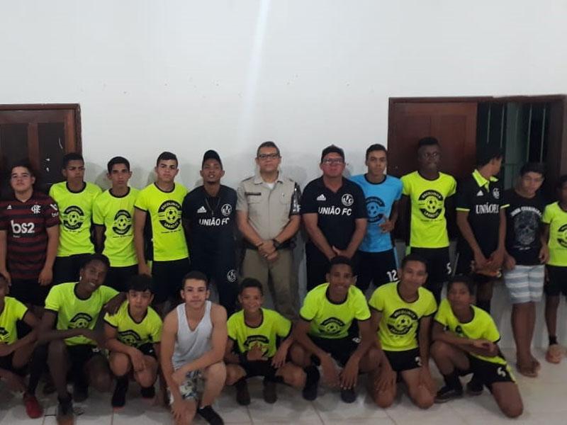 Em parceria com Escolinha União e Futebol e 46ª CIPM, Palestra sobre drogas é ministrada no Centro Educacional Humberto Leal