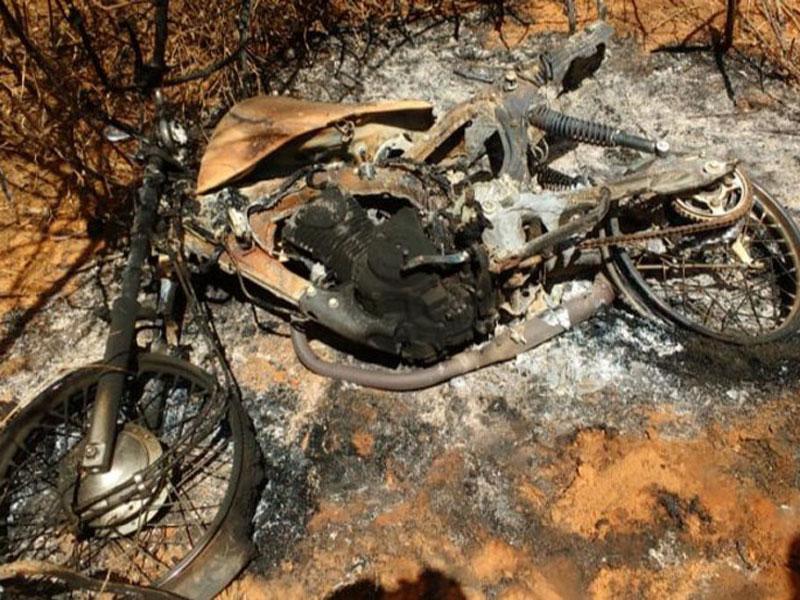 Caculé: Homem tem moto queimada e casa pichada com ameaças na zona rural