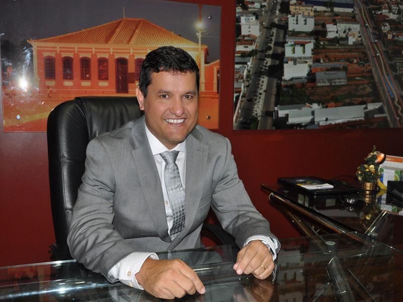 Contas da Prefeitura de Guanambi são aprovadas com ressalvas pelo TCM