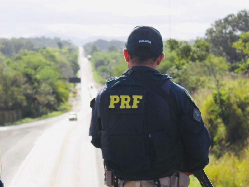 Homem com mandado de prisão em aberto expedido pela Justiça baiana é preso pela PRF em Jequié