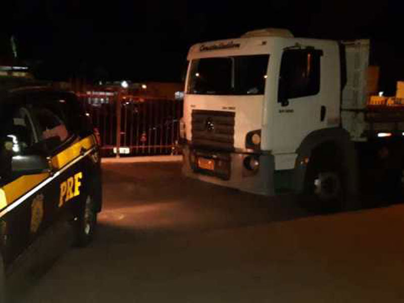 Vitoria da Conquista: Caminhão roubado em Barreiras é localizado pela PRF