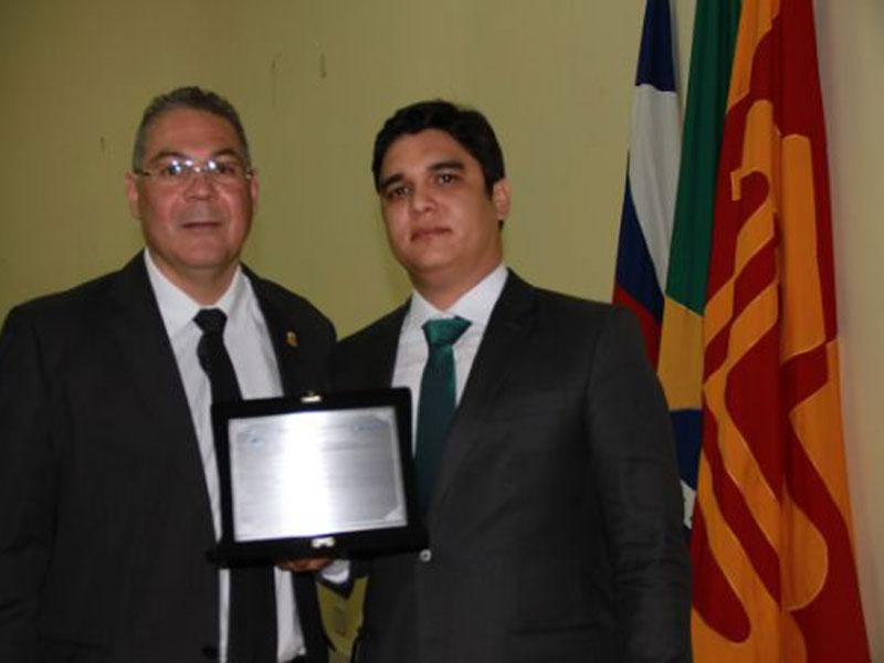 Deputado Vitor Bonfim recebe Título de Cidadão Brumadense