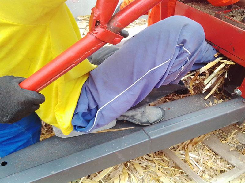 Homem prende perna em máquina de triturar trigo no interior da Bahia; bombeiros militares socorreram a vítima