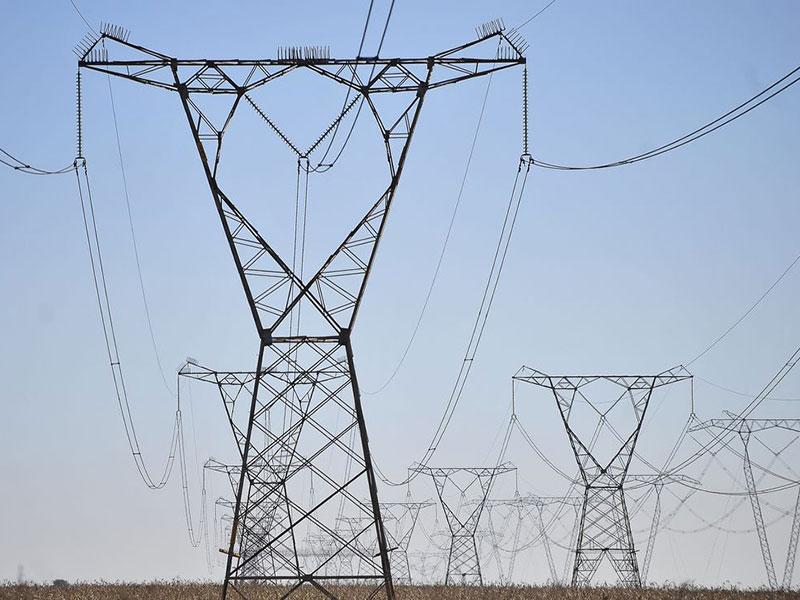 Bolsonaro diz que determinará suspensão da bandeira vermelha na energia elétrica