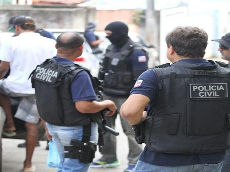 Governo da Bahia quadruplica valor de prêmio pago a policiais por apreensão de armas