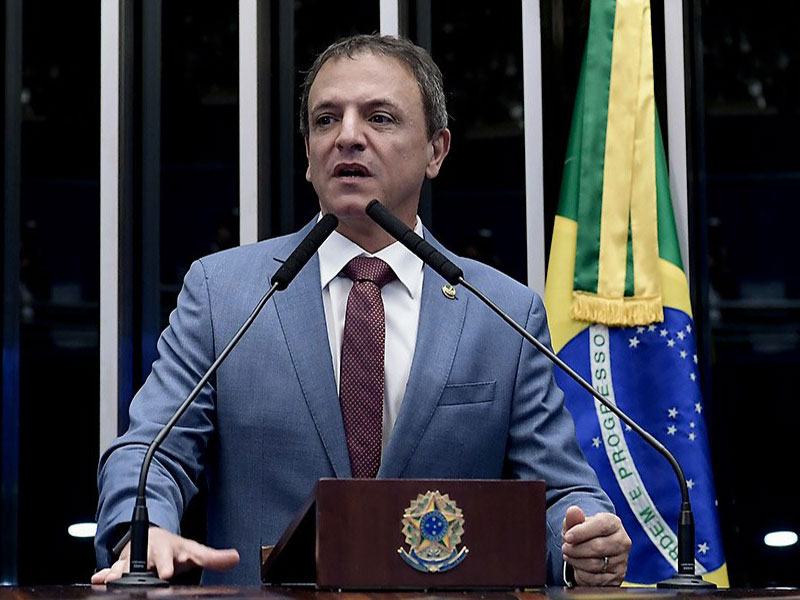 Senador Marcio Bittar diz que tem 'sinal verde' para programa de renda, mas não dá detalhes
