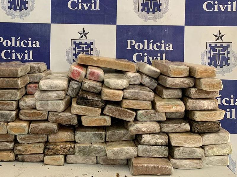 Polícia localiza 90 quilos de maconha prensada em Jequié