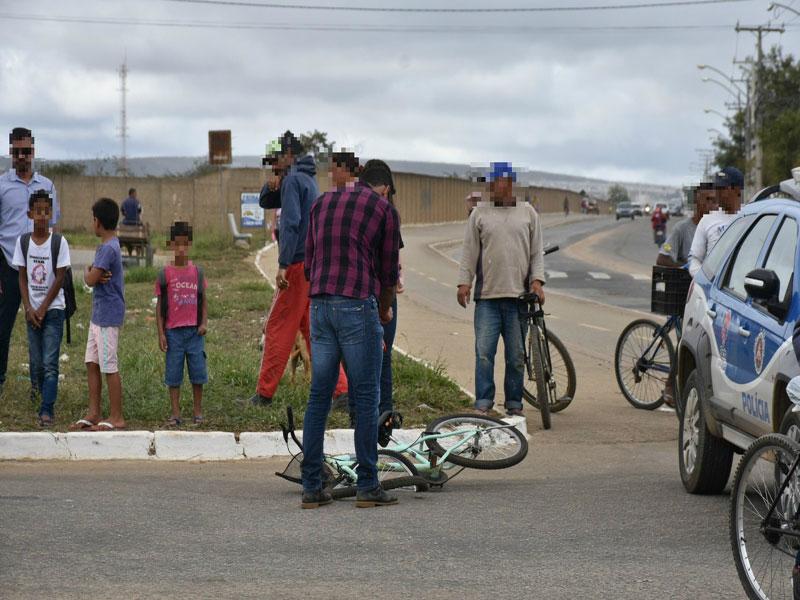 Vitória da Conquista: Adolescente de 12 anos morre após ser atropelada por caminhão