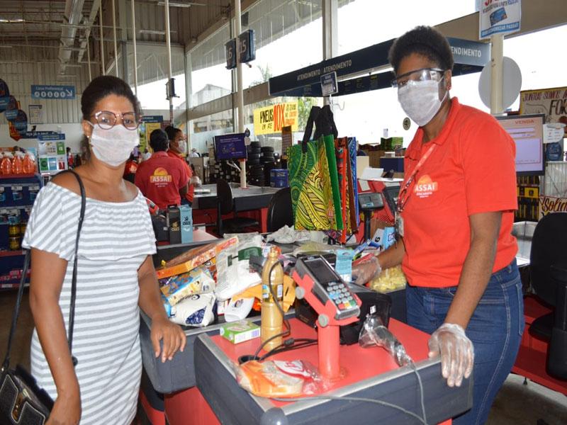 Vale-alimentação já foi entregue a mais de 246 mil estudantes da rede estadual de ensino