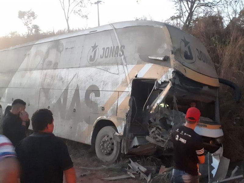 Acidente com ônibus de Jonas Esticado deixa três feridos no Maranhão