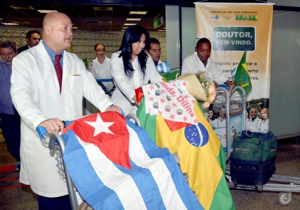 Após saída de cubanos, Mais Médicos tem 1.052 desistências