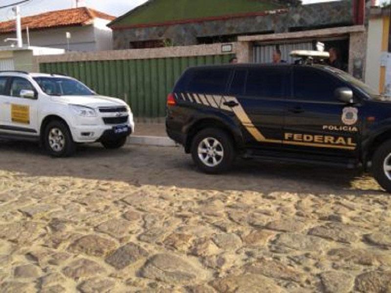 PF deflagra operação contra desvios em obras de calçamento em Itambé
