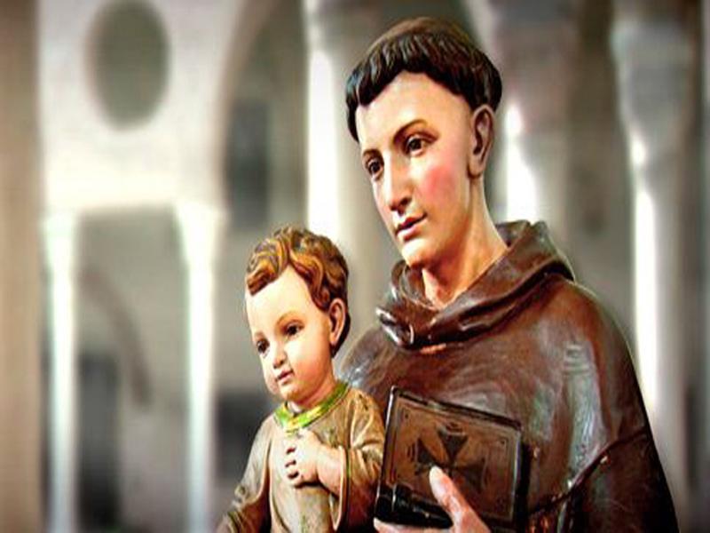 Saiba quem foi Santo Antônio; santo conhecido como 'casamenteiro'