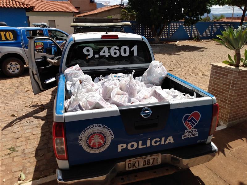 Livramento: 46ª CIPM distribui cestas básicas para famílias carentes