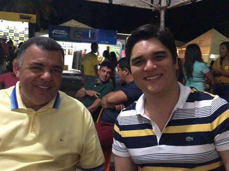 Deputado Vitor Bonfim marca presença na II Expo Livramento