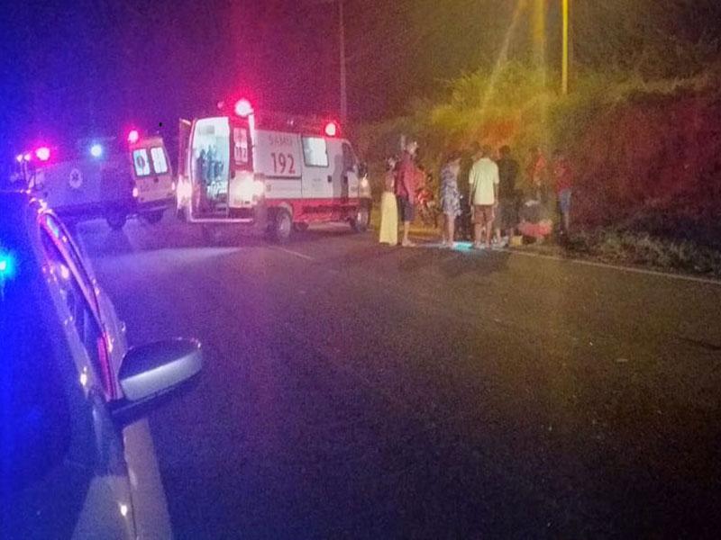 Brumado: Motocicleta com farol queimado provoca acidente na BA-148 e duas pessoas ficam feridas