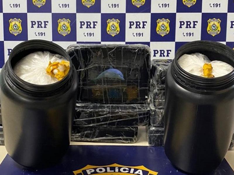 Vitória da Conquista: PRF apreende 14 Kg de cocaína e prende taxista por tráfico de drogas