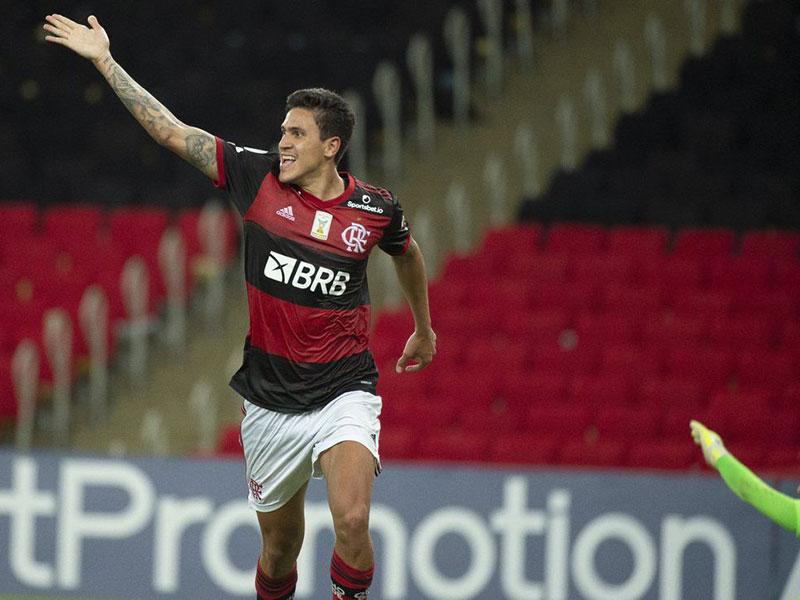Flamengo compra Pedro em definitivo da Fiorentina