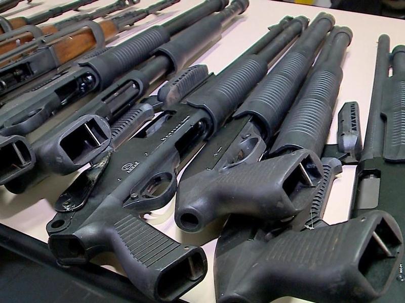 Governo publica decreto sobre armas; civis não podem adquirir fuzis. Ouça a materia.