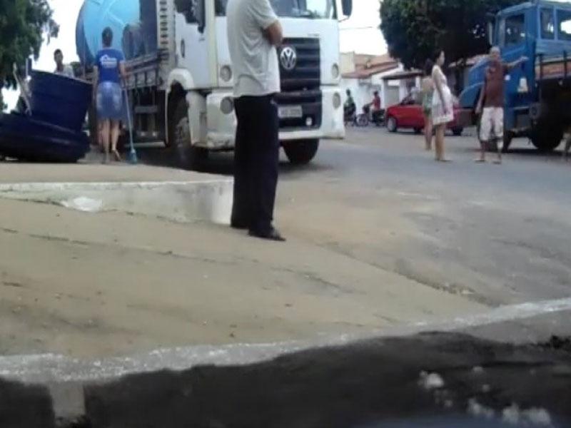 Irmão de prefeito é acusado de racismo após ofender idosa em vídeo: