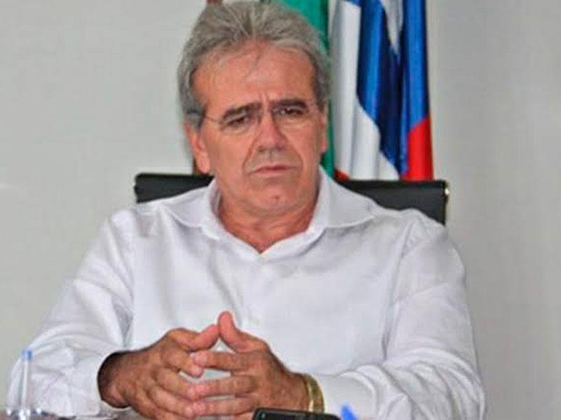 Justiça determina bloqueio de quase R$ 2 milhões de reais de bens de ex-prefeito de Teixeira de Freitas