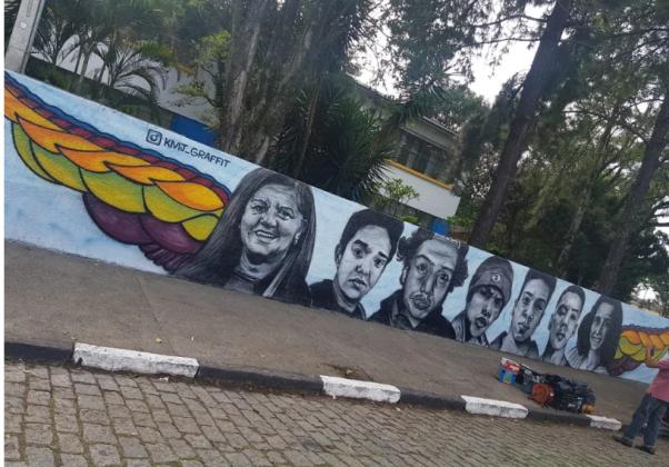 Treze dias após o massacre, escola de Suzano retoma atividades