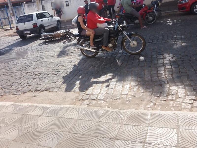 Colisão entre moto e carro é registrada em Livramento