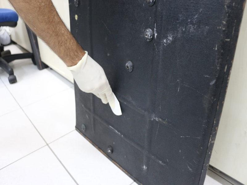 DPT da Bahia analisa escudo do Bope danificado em ação contra miliciano
