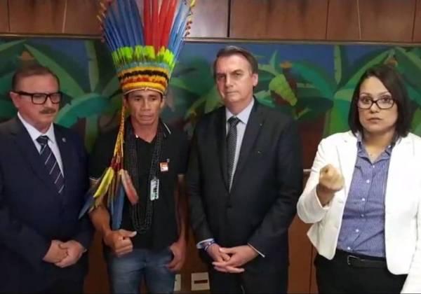 Bolsonaro ataca Ibama, ONGs e ameaça cortar diretoria da Funai