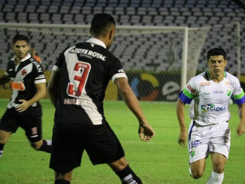 Abel Braga vê evolução no Vasco após empate com Altos