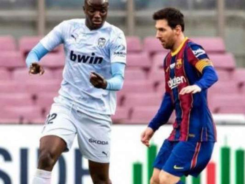 Valencia abandona campo após insulto racista contra jogador francês