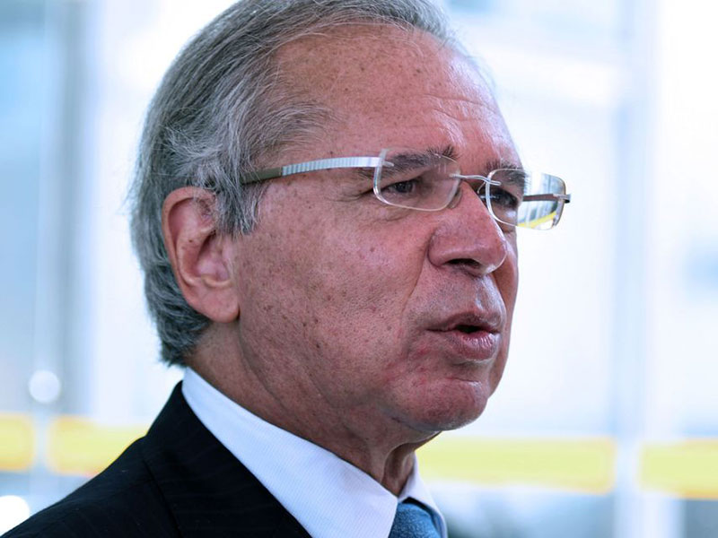 Guedes anuncia novo programa para trabalhadores informais